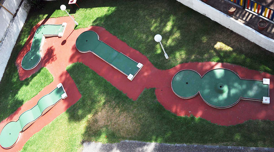 mini-golf-hotel-jaime-primero